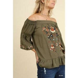 Umgee | Olive Floral Embroidered Blouse size Small